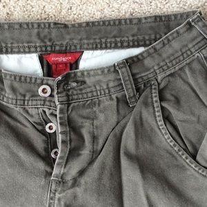Sundance Button-fly khaki cargo capris. Size 6.